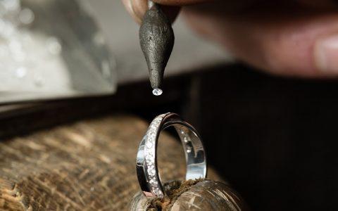 石取れの修理(石留め)